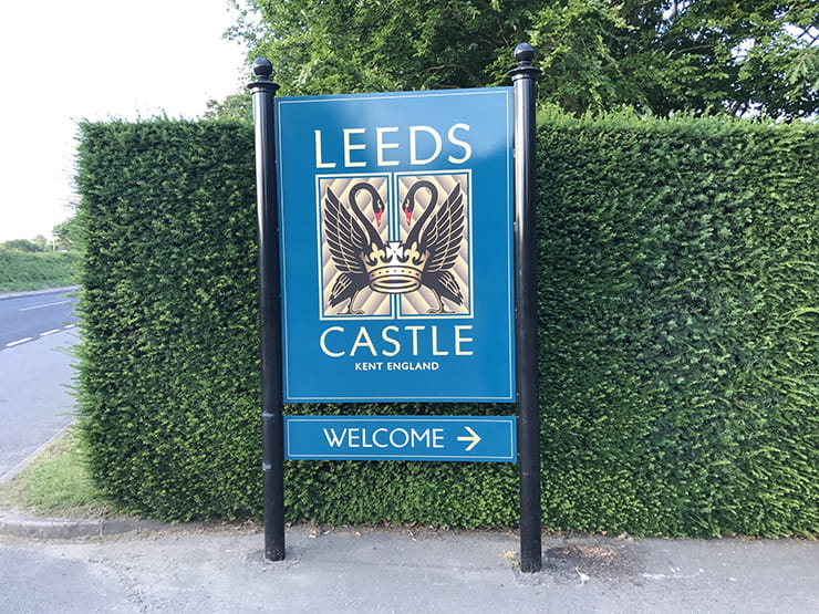 Leeds castle sign