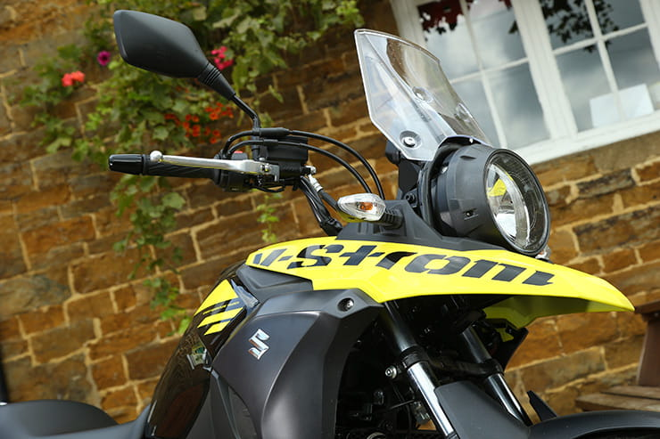 Suzuki V-Strom 250 front fender and headlight