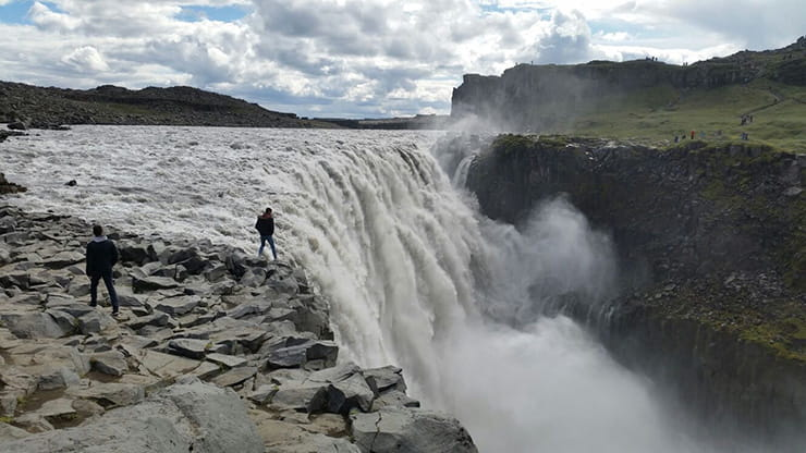 A huge waterfall in Iceland