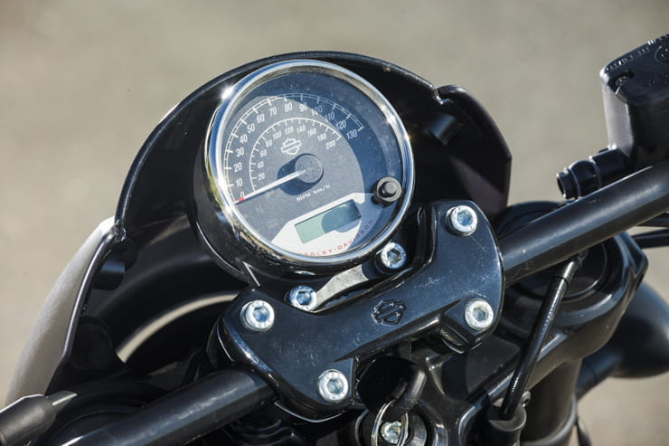 Harley-Davidson Street Rod BikeSocial Review by Michael Mann