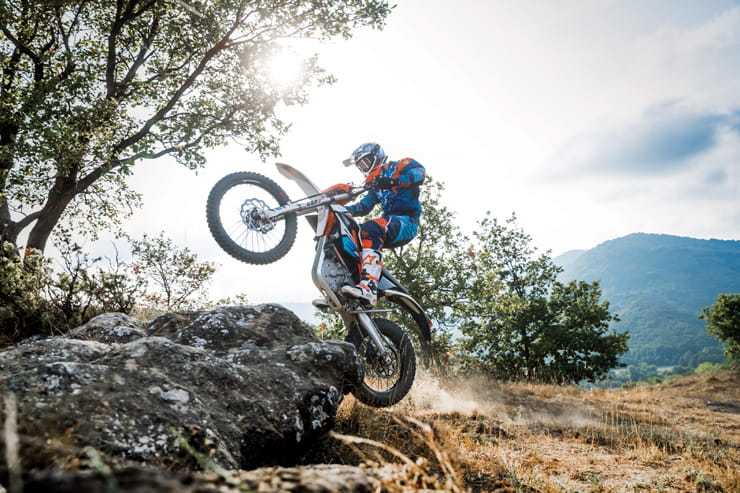 BikeSocial Reviews the 2018 KTM FREERIDE E-XC