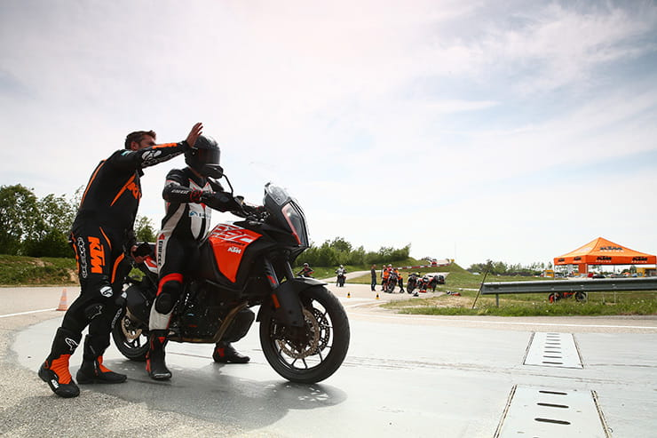 Behind-the-scenes: KTM test their technology