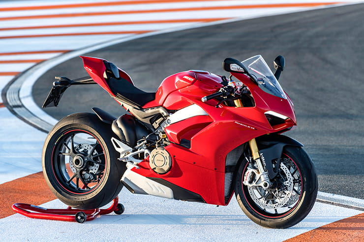 Terrific Ducati Panigale V4 S 2018 First Ride Review Caraccident5 Cool Chair Designs And Ideas Caraccident5Info