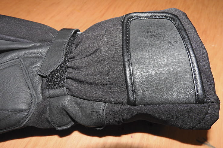 Tucano Urbano Tetris gloves BikeSocial review