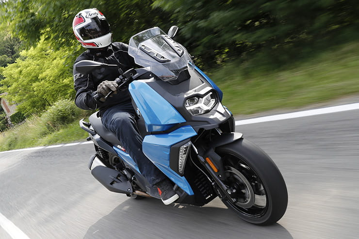 2018 BMW C400X road test review
