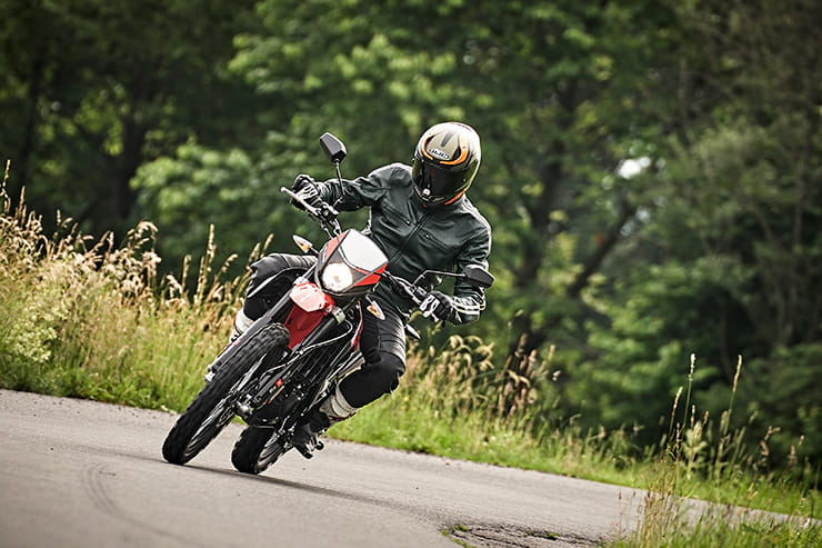 Aprilia RX125 and SX125 BikeSocial Review