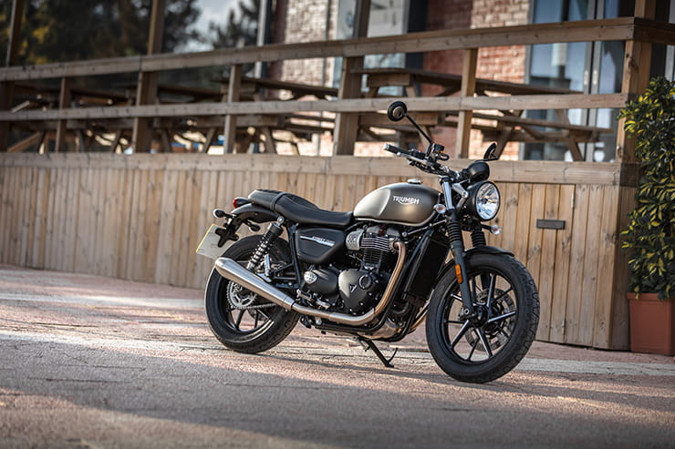 Enjoyable Triumph Street Twin 2019 Review Spiritservingveterans Wood Chair Design Ideas Spiritservingveteransorg