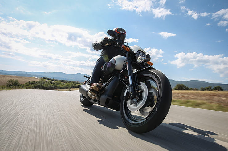 HARLEY-DAVIDSON FXDR SOFTAIL (2019) | Review