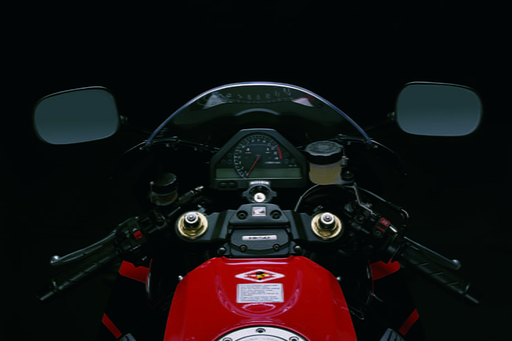 Honda CBR1000RR Fireblade (2006-2007): Review & Buying Guide