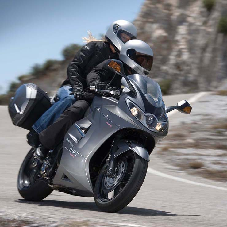 Triumph Sprint ST 1050 (2005-2010): Review & Buying Guide