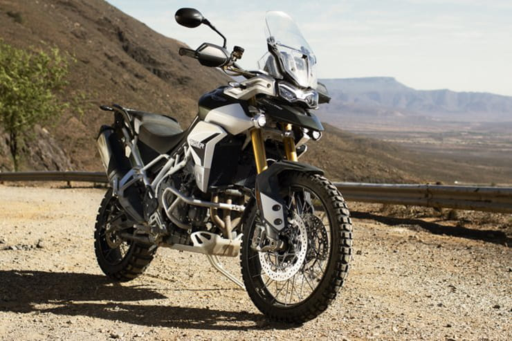 New 888cc triple, new chassis and new model range for middleweight Triumph Tiger 900