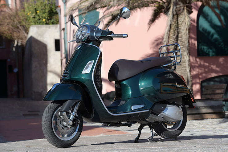 2019 Vespa GTS 300 hpe | Launch review