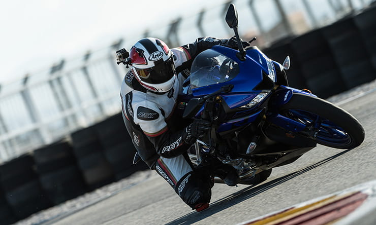 Yamaha YZF-R125 review top speed