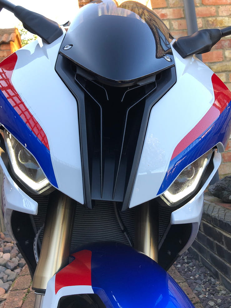 2019 BMW S1000RR, now with symmetrical eyes