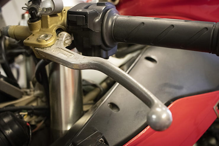 How to buy a Ducati 916 problems advice