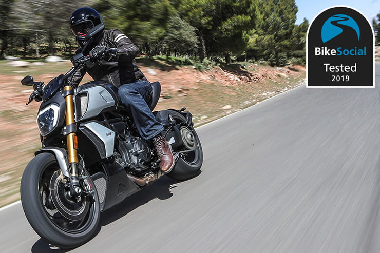 What are the best motorcycle riding jeans? Buying guide