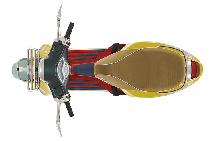 New 40mph Vespa Elletrica and Sean Wotherspoon model