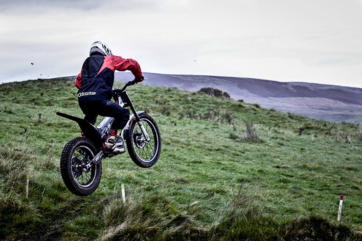 Electric Motion Epure Race (2020) - the first true alternative to a petrol trials bike