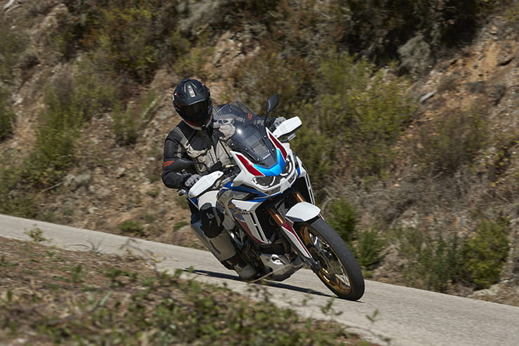 Honda Africa Twin & Africa Twin Adventure Sports (2020) | REVIEW