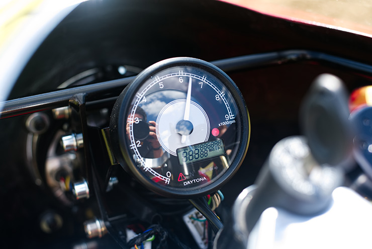 Royal Enfield Nought Tea GT clocks