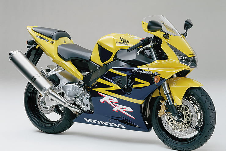 The 954 is, quite rightly, regarded as the quintessential FireBlade model.