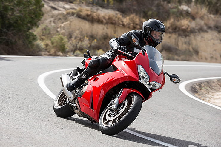 Honda VFR800F 2014 Review Used Price Spec_01