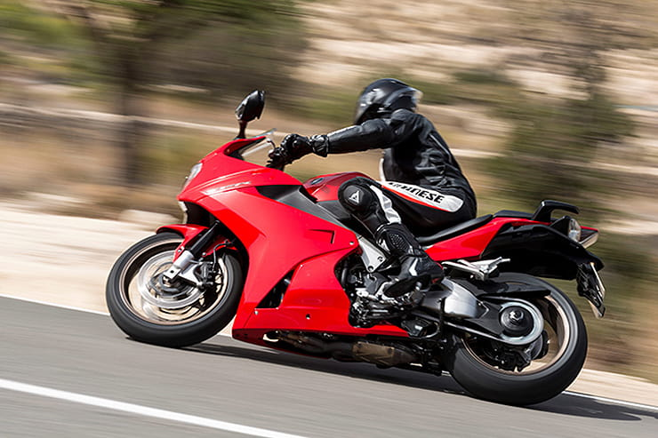 Honda VFR800F 2014 Review Used Price Spec_03