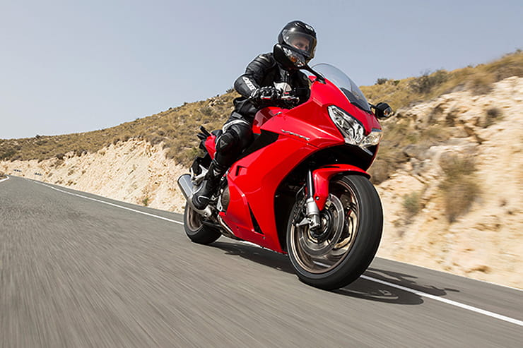 Honda VFR800F 2014 Review Used Price Spec_05