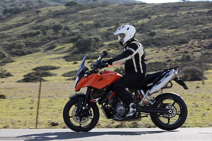 KTM 990 Supermoto T-SM-T 2009 Review Used Price Spec_08