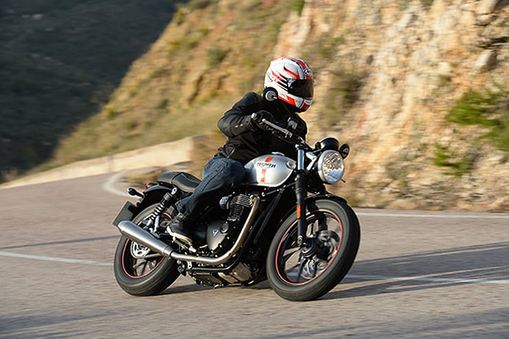 Triumph Street Twin 2016 Review Used Price Spec_01