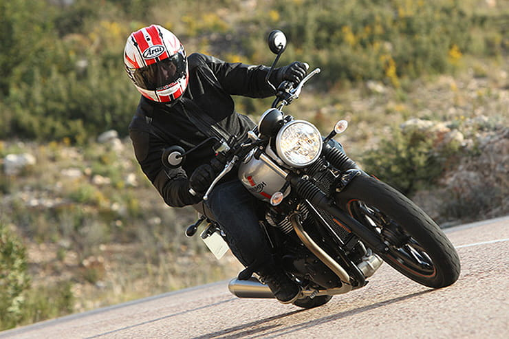 Triumph Street Twin 2016 Review Used Price Spec_03