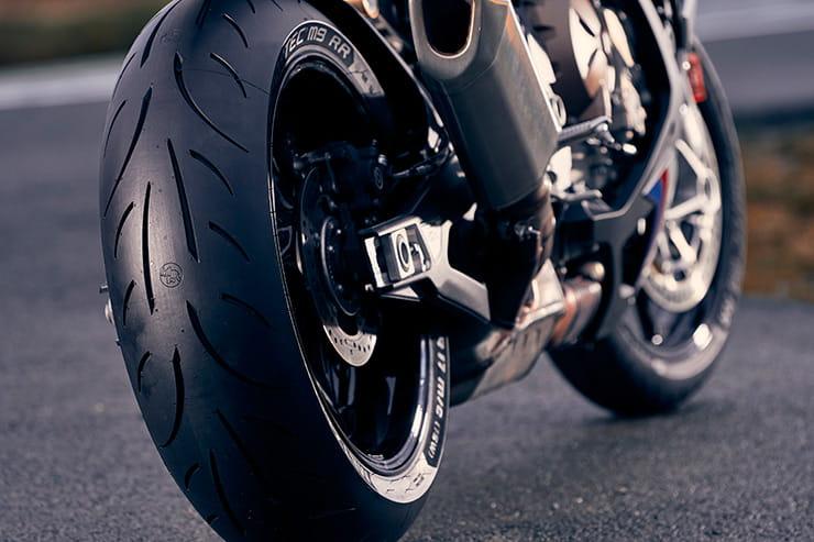 Metzeler Sportec M9RR tyre review | Now