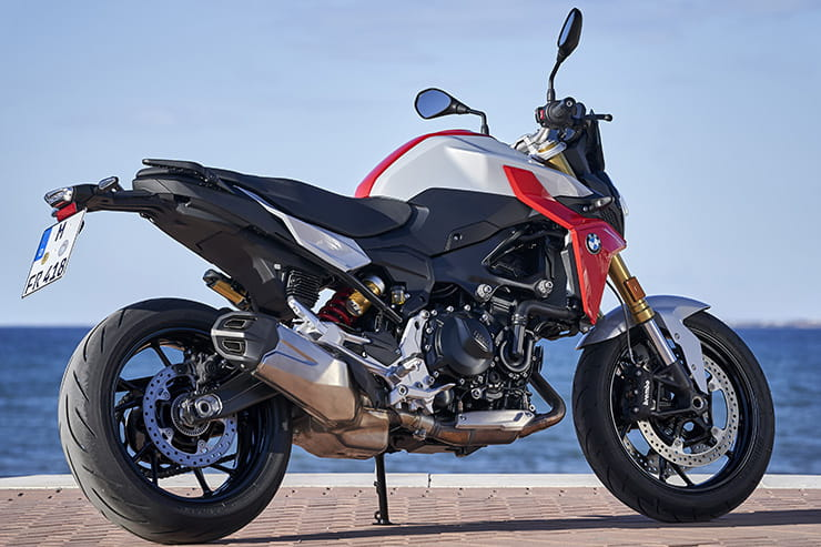 BMW F900R (2020) review: Can it beat the Yamaha MT-09?