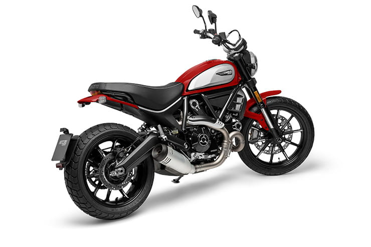MY21_DUCATI_SCRAMBLER_ICON_RED-03_UC209557_Mid
