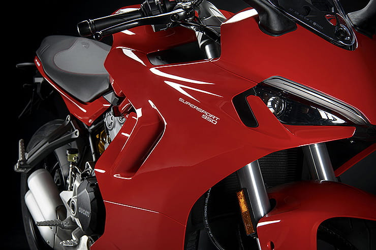 Ducati Supersport 950 2021 Details Price Spec (3)