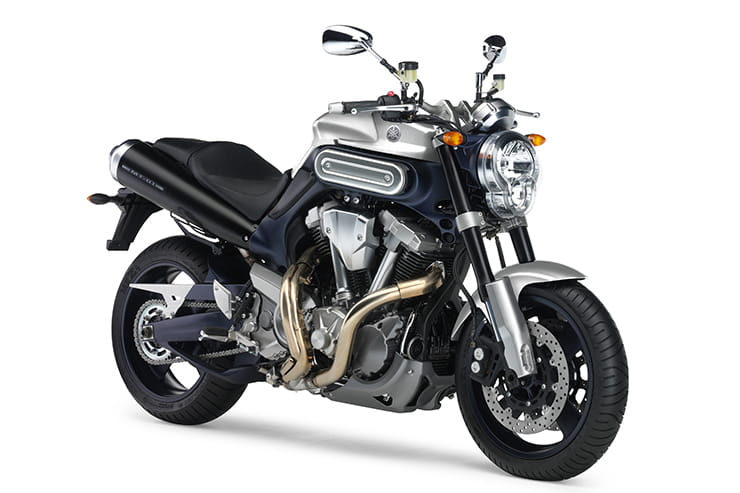 Yamaha MT-01 2005 2010 Review Used Price Spec_03