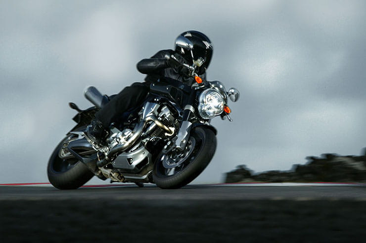 Yamaha MT-01 2005 2010 Review Used Price Spec_12