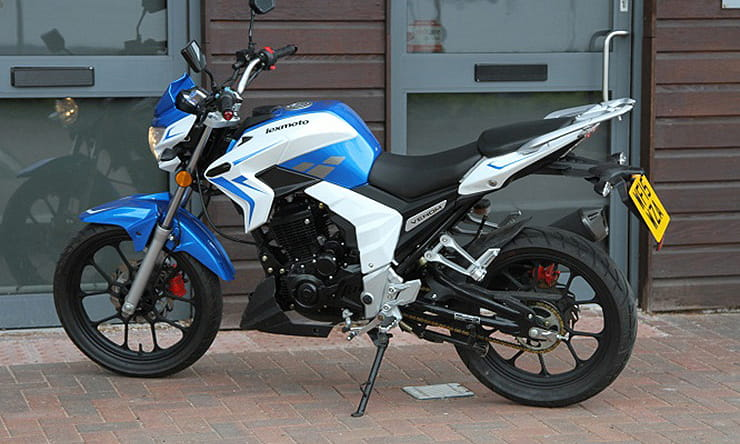 The Chinese 125cc learner bike with built-in sound system rideable on an A1 licence that's cheap to run. Just £1800.