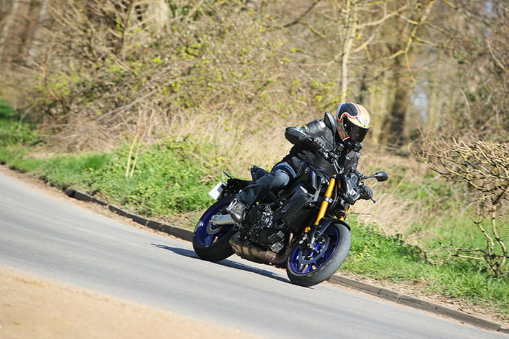 Yamaha MT09 SP 2021 Review Price Spec_071