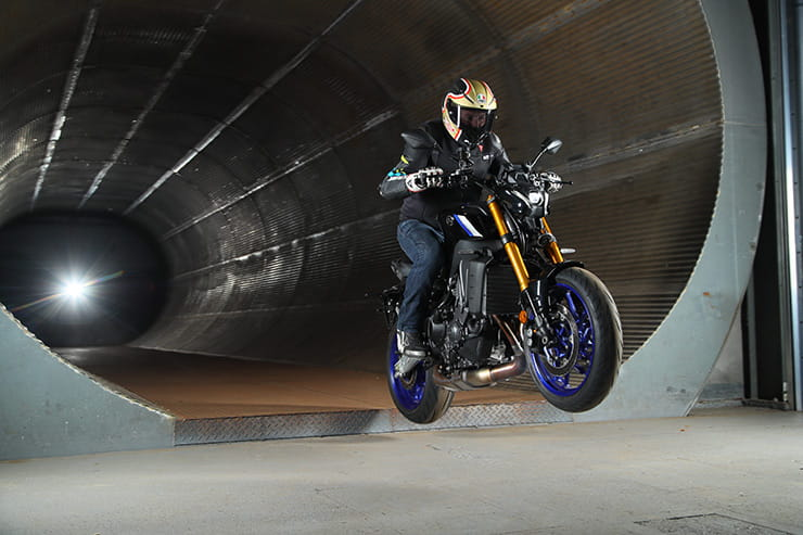Yamaha MT09 SP 2021 Review Price Spec_099