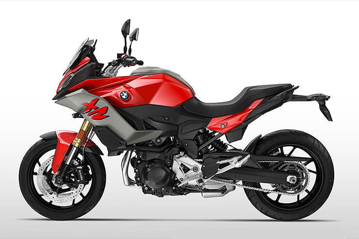 BMW F900XR in Red