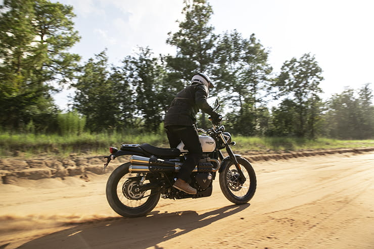 Triumph Street Scrambler 2017 Review Used Guide_02