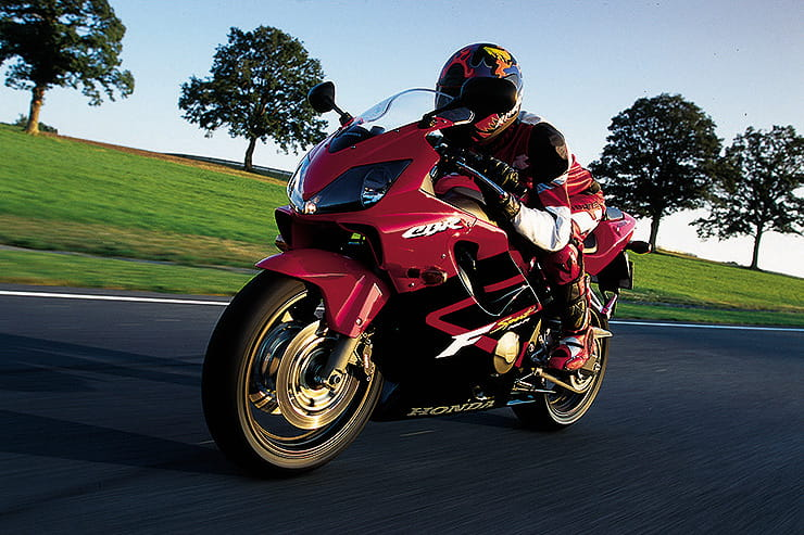 Honda CBR600F Sport Review Used Price Spec_03