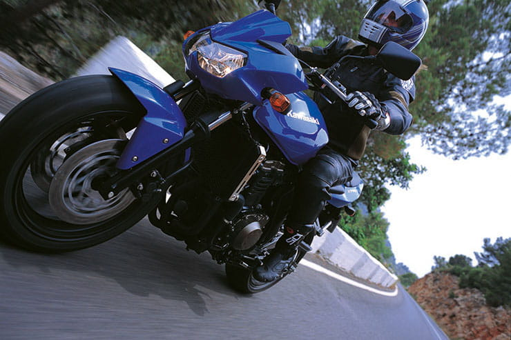 Kawasaki Z750 2004 Review Used Price Spec_03