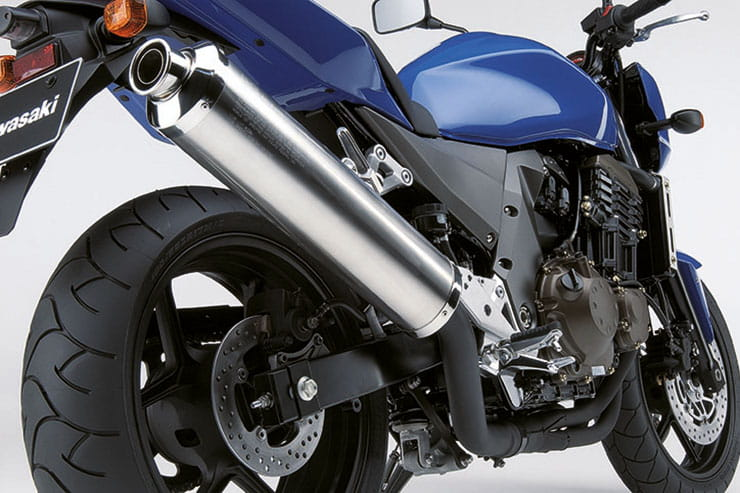 Kawasaki Z750 2004 Review Used Price Spec_07