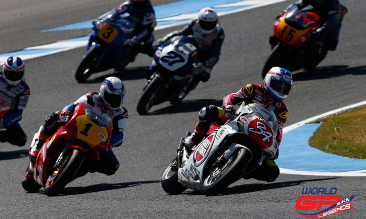 Kevin Schwantz leads the way at Jerez