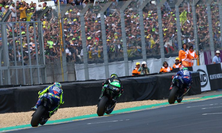 Vinalês, Rossi and Zarco race in the 2017 French MotoGP at Le Mans