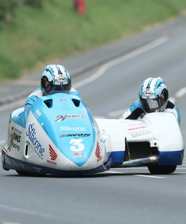 John Holden and Andy Winkle (LCR Honda - Silicone Engineering/Barnes Racing) Isle of Man TT Sidecar Race 2016