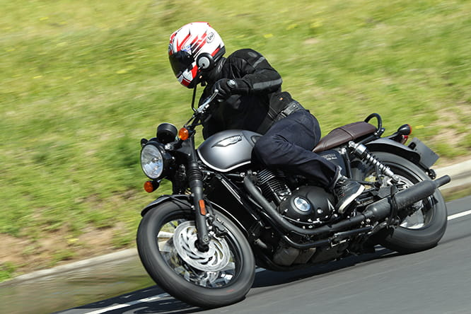 A relaxing and sedate ride on the Triumph T120 Black