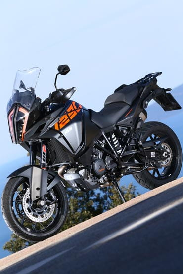 ktm 1290 super adventure s (2017) - first ride and review